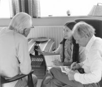 Interviewing Christian mystic Martinus, Danish sage and founder of the Martinus Institute of Spiritual Science in Copenhagen, Denmark. Longtime Martinus co-worker Tage Buch is translating from the Danish. Klint,1975.